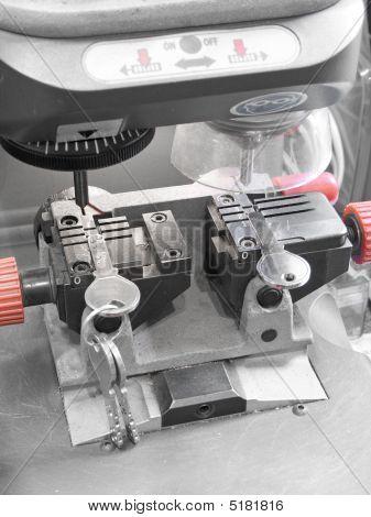 Key Duplicating Machine