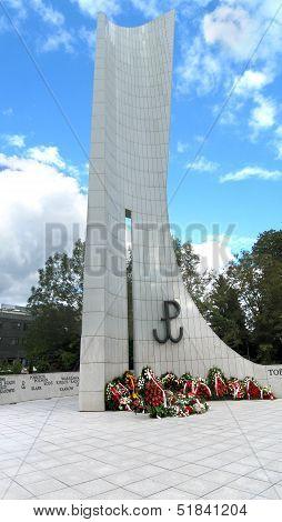 Warsaw war memorial