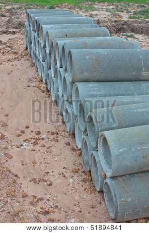 the Stacked concrete drainage pipes