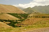 pic of iranian  - Iraqi mountains in autonomous Kurdistan region near Iranian border - JPG