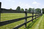picture of split rail fence  - Trailing wooden split - JPG