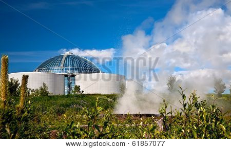 The Perlan And  Small Geyser