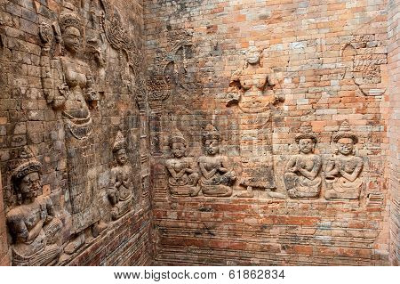 Old Angkor reliefs