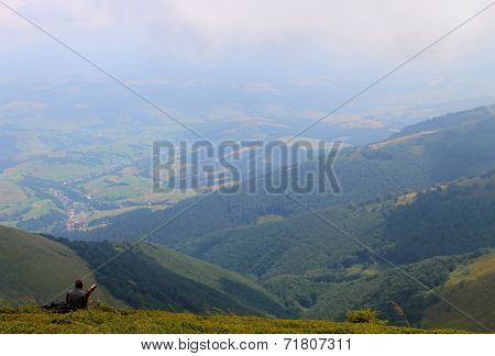 Man looks at the landscape