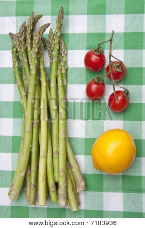 Fresh Asparagus With Lemon And Tomatoes