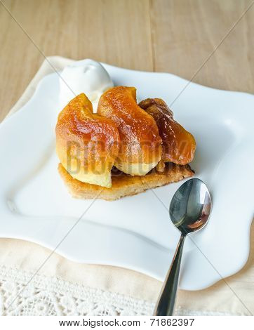 Tarte Tatin With Ice-Cream Ball