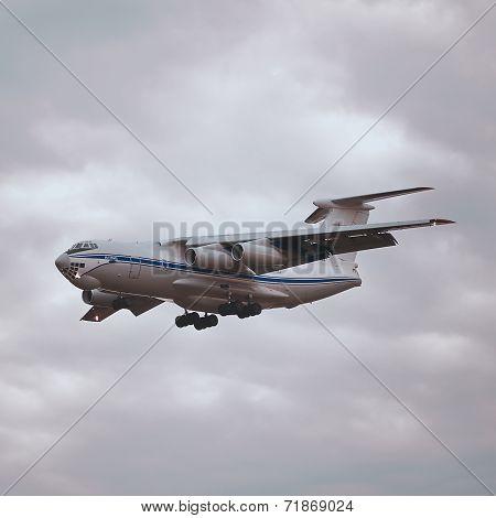 Flight of the plane IL-76MD.