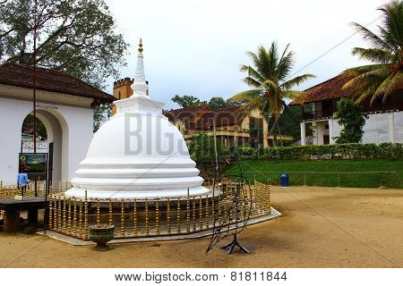Buddhist Stupa, Temple of tooth relic, Kandy
