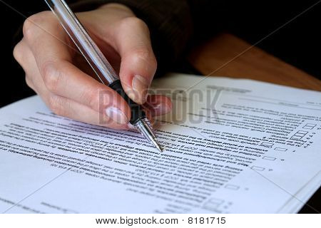 Revisión y llenado de contrato Legal