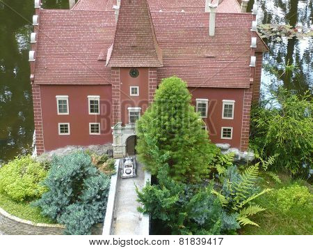 ?ervená Lhota Castle - miniature model