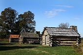 picture of revolutionary war  - Cabin used by Revolutionary War soldiers during the brutal winter of 1776 under the command of General George Washington - JPG
