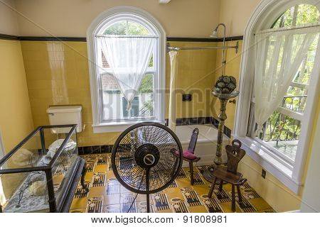 Bath Room Of Ernest Hemmingway In Key West
