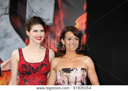 LOS ANGELES - MAY 26:  Alexandra Daddario, Carla Gugino at the