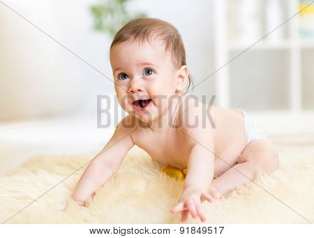 Crawling Baby Weared Diaper