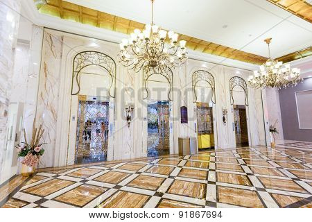 Elevator and decorations in hotel hall