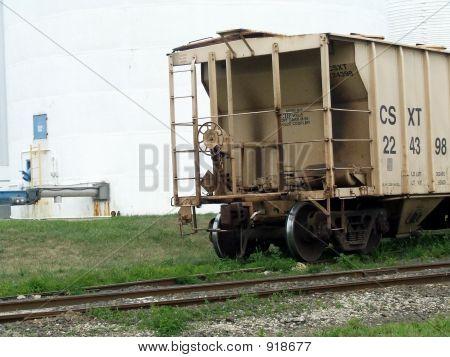 Vagão de carga nas faixas