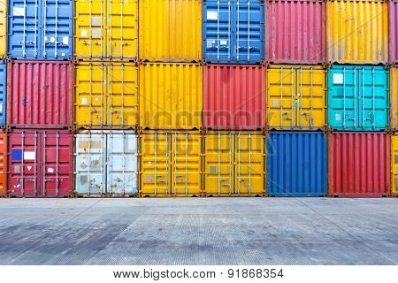 Empty floor with stacks of containers