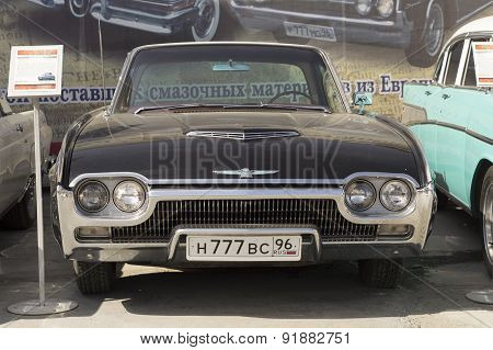 Black Ford Thunderbird 1963 release
