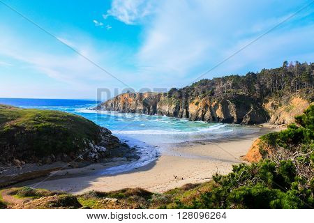 Beautiful Californian hidden beach only accessible via hike