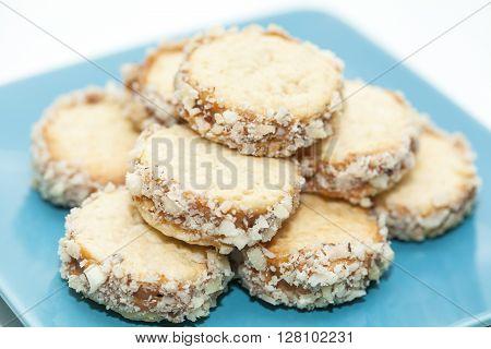 Cookies preparation : Cookies of caramelised milk and nuts