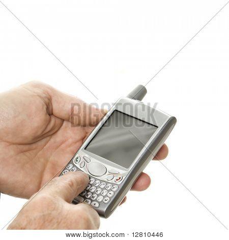 Close-up do empresário de meia idade caucasianos usando handheld PDA.