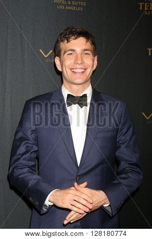 LOS ANGELES - APR 29:  Tim Kubart at the 43rd Daytime Emmy Creative Awards at the Westin Bonaventure Hotel  on April 29, 2016 in Los Angeles, CA