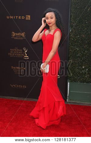 LOS ANGELES - APR 29:  Genneya Walton at the 43rd Daytime Emmy Creative Awards Arrivals at the Westin Bonaventure Hotel  on April 29, 2016 in Los Angeles, CA