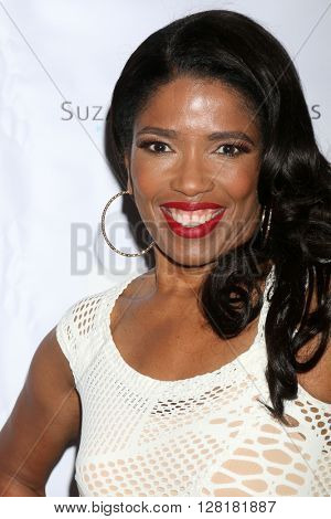 LOS ANGELES - APR 30:  Areva Martin at the Suzanne DeLaurentiis Productions Gifting Suite at the Dylan Keith Salon on April 30, 2016 in Burbank, CA