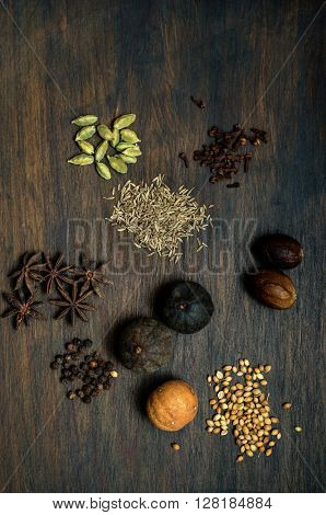 Whole dried Middle eastern mix spice ingredients.