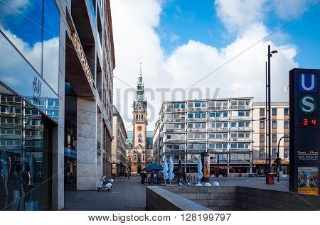 HAMBURG, GERMANY - APRIL 3 : Street view of Downtown Hamburg on April 3, 2015, in Hamburg, Germany.