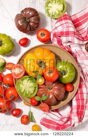 assorted variety of tomatoes