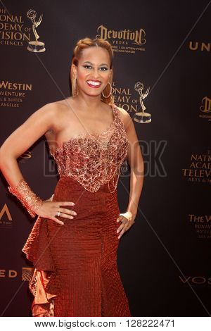 LOS ANGELES - MAY 1:  Dr. Rachael Ross at the 43rd Daytime Emmy Awards at the Westin Bonaventure Hotel  on May 1, 2016 in Los Angeles, CA