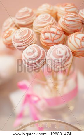Photo of a Wedding set of biscuits in pink colour