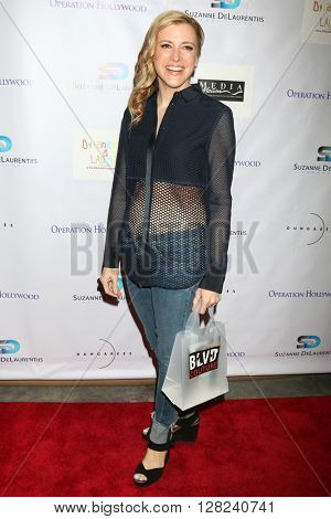 LOS ANGELES - APR 30:  Hillary Hickam at the Suzanne DeLaurentiis Productions Gifting Suite at the Dylan Keith Salon on April 30, 2016 in Burbank, CA