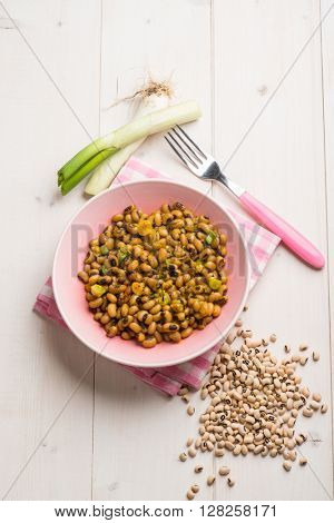 salad with beans leek and saffron