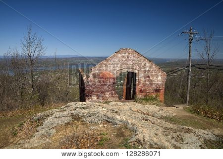 The remains of the old Powerhouse from the Mount Beacon Incline Railway