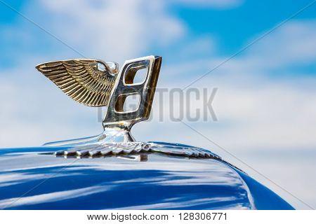 Minsk, Belarus - May-5-2012: Logo Of Vintage Bentley Motor Car Close Up At Old Car Fest Show In Mins