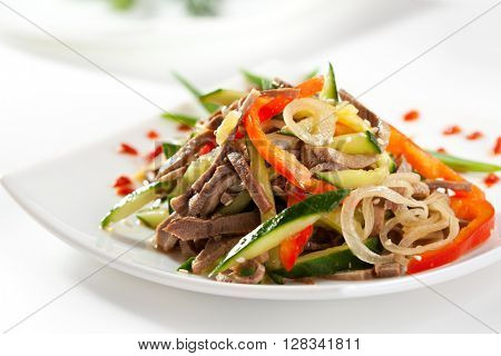 Salad with Sliced Beef and Vegetables