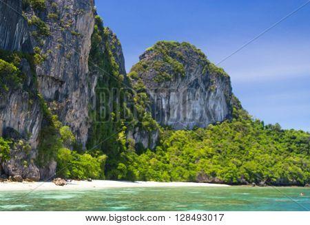 Idyllic Island Heaven Horizon