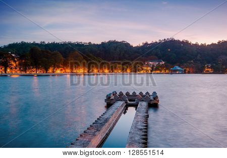 Kandy Lake at sunrise, Kandy, Central Province, Sri Lanka, Asia