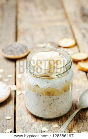 overnight oats with Greek yogurt Chia seeds and banana