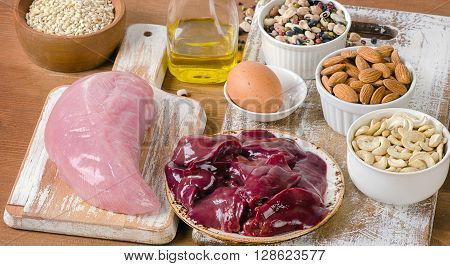 Foods With Selenium  On A Wooden Tabe