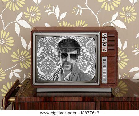 Nerd Retro 60S Vintage Wooden Tv Presenter