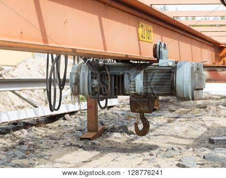 Small Lifting Device On A Beam