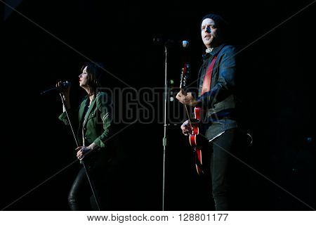 NEW YORK-MAY 6: Singers Shawna Thompson (L) and Keifer Thompson of Thompson Square perform onstage at the Paramount on May 6, 2016 in Huntington, New York.
