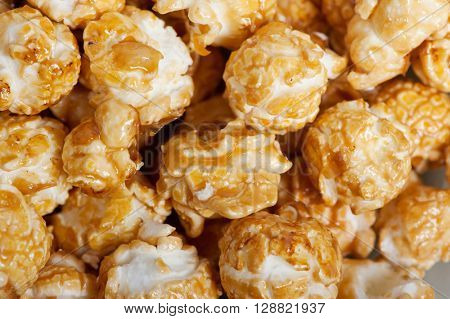 Caramel popcorn background