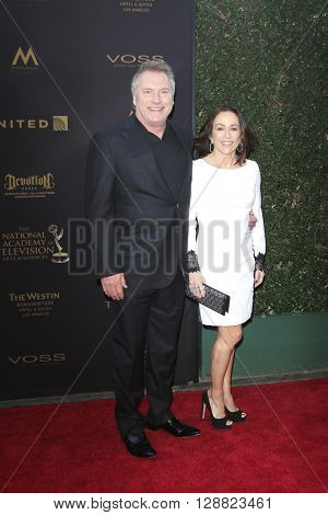 LOS ANGELES - APR 29: David Hunt, Patricia Heaton at The 43rd Daytime Creative Arts Emmy Awards Gala at the Westin Bonaventure Hotel on April 29, 2016 in Los Angeles, California