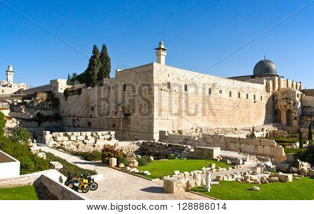 Israel Jerusalem the western wall and El Aqsa mosque