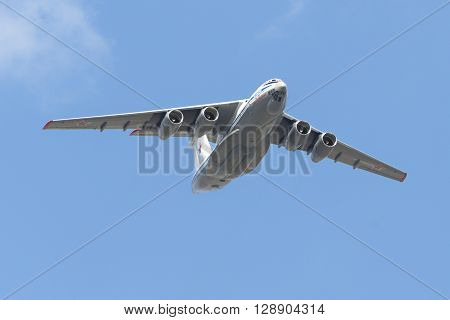 Ilyushin Il-76Td-90 Fly Over Red Square