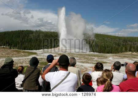 Yellowstone Tourism